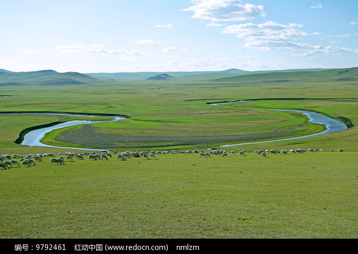 草原弯曲的河流图片