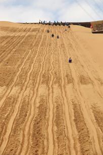 沙坡头滑沙游戏项目