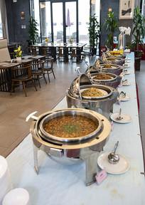 自助餐厅环境菜品总览图