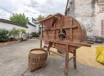 传统的木制风车
