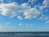 海边的云景