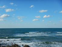 海边远处的云朵