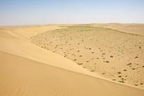 沙丘分水岭和戈壁