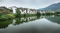 桃花潭景区沿河建筑