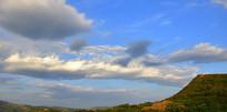 天空中的巨大云团