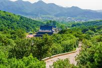 千山皈源寺建筑群与山路俯瞰图