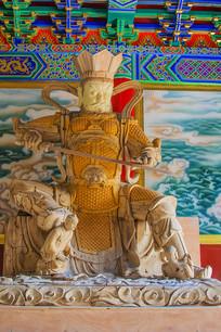 南方增长天王魔礼青职风雕像