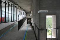 象山美院教学楼走廊