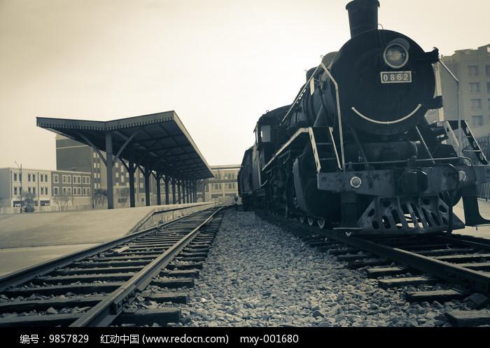 旧蒸汽老火车图片