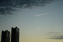 天空飞机痕迹