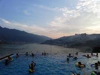 长江边全江景无边际泳池