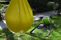 水袋与网球