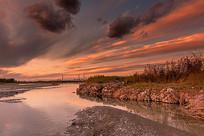 日落下的河流