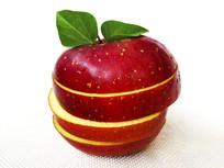 新鲜带叶红苹果