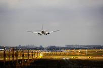 虹桥机场客机