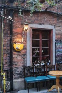 上海田子坊酒吧室外一角