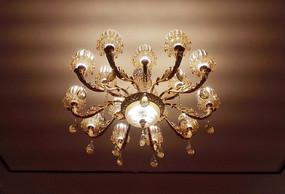 天花板装饰水晶吊灯