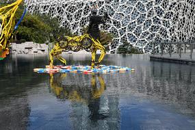 小黄车之马雕塑