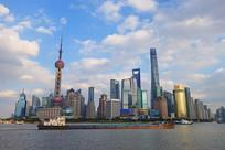 上海浦东东方明珠塔风光