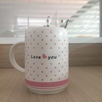 喝水的可爱陶瓷杯子