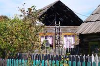 内蒙古边塞木栅栏院落