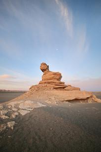 西北大漠雅丹地貌无人区