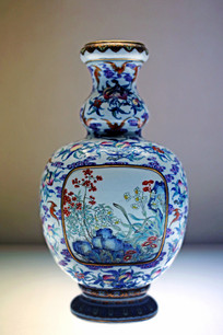 斗彩桃蝠纹葫芦扁瓶