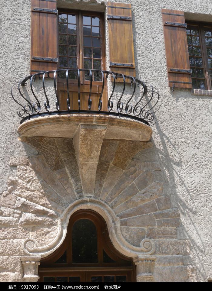 别墅小阳台图片