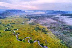 航拍森林曲水之最的哈乌尔河