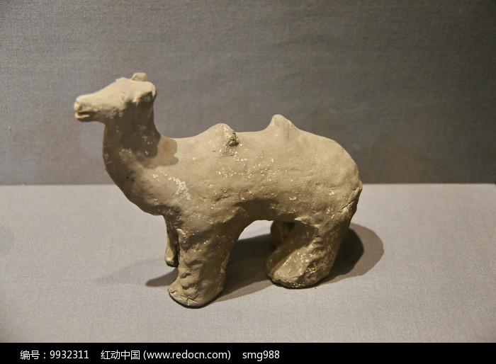 北魏骆驼俑图片