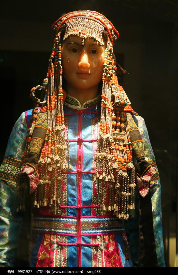 蒙古族民族服饰图片