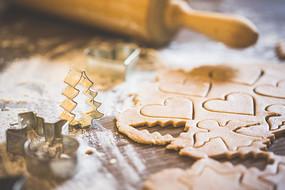 准备圣诞糖果烘烤