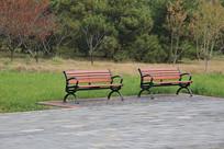 公园一对长椅