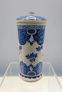 景德镇窑青花如意花卉纹盖罐