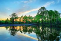 森林湖暮色