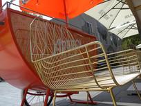 咖啡馆铜条椅子