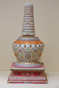 粉彩花卉描金瓷塔