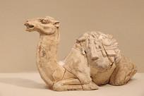 骆驼陶俑唐代