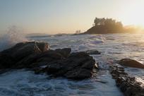 夕阳照耀的海岸