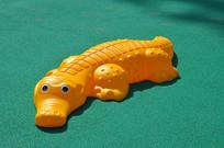 幼儿园的鳄鱼仿真玩具
