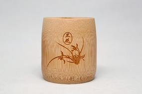 雕兰花竹筒茶杯