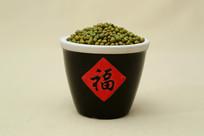 福字缸装绿豆