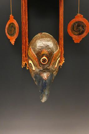 青海藏族彩漆金翅鸟跳神面具