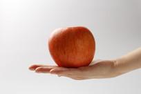 手上的苹果