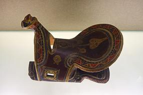 新疆喀什维吾尔族彩绘漆马鞍