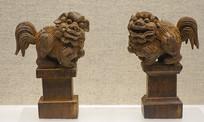 云南大理白族木雕狮子