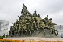 成吉思汗蒙古大军骑马雕像