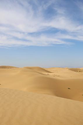 连绵起伏的沙丘