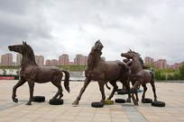 蒙古马骏马群雕像