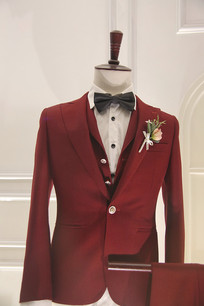 男款红色礼服